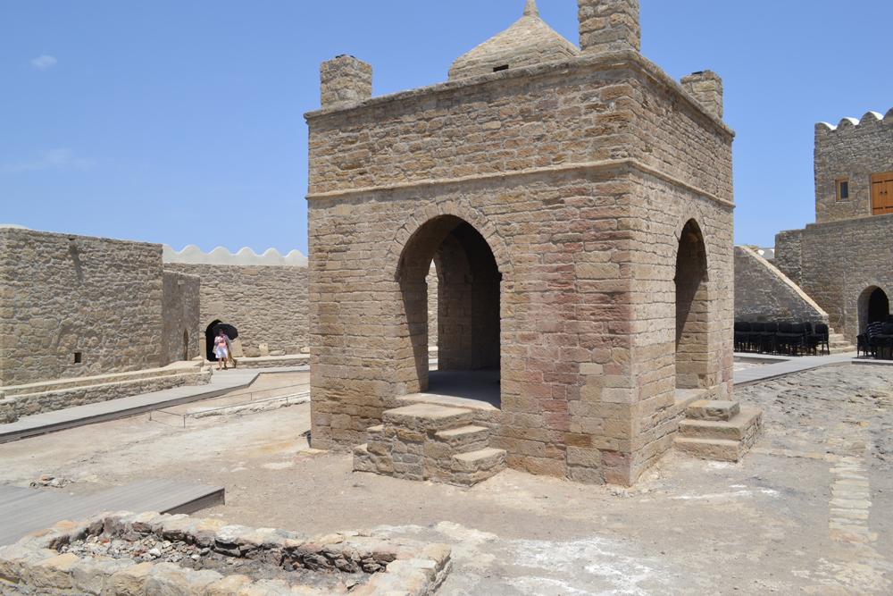 Сураханы, Атешгях, храм огнепоклонников